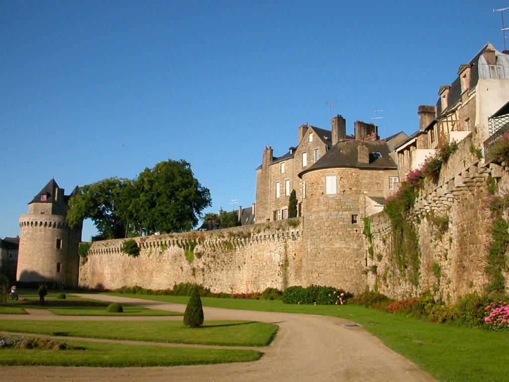 Photo des remparts de Vannes et de la Tour du Connétable